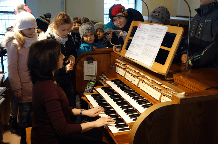 Spannende Einblicke ermöglichte Kantorin Judith Kilsbach