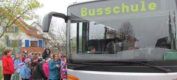 Buseinstieg am Busbahnhof